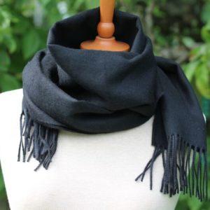 Gine sort tørklæde